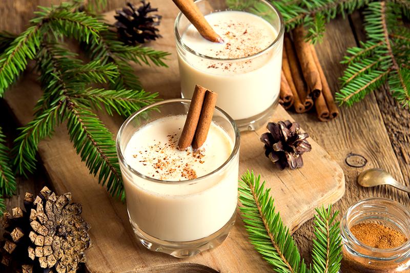 Cocktail noel spiritueux premium Dugas Club Expert Eggnog lait de poule