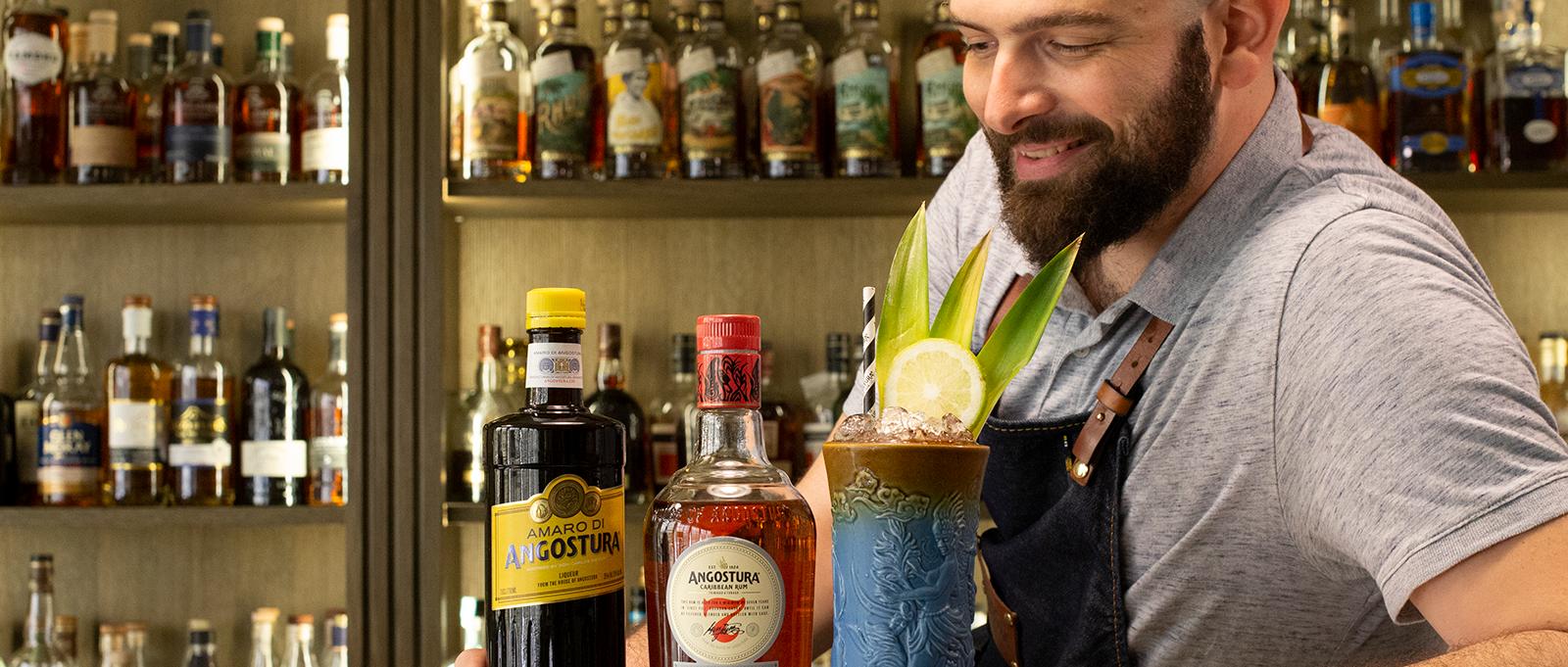 Pedro Martinez Ambassadeur Angostura Dugas Club Expert Cocktail d'été